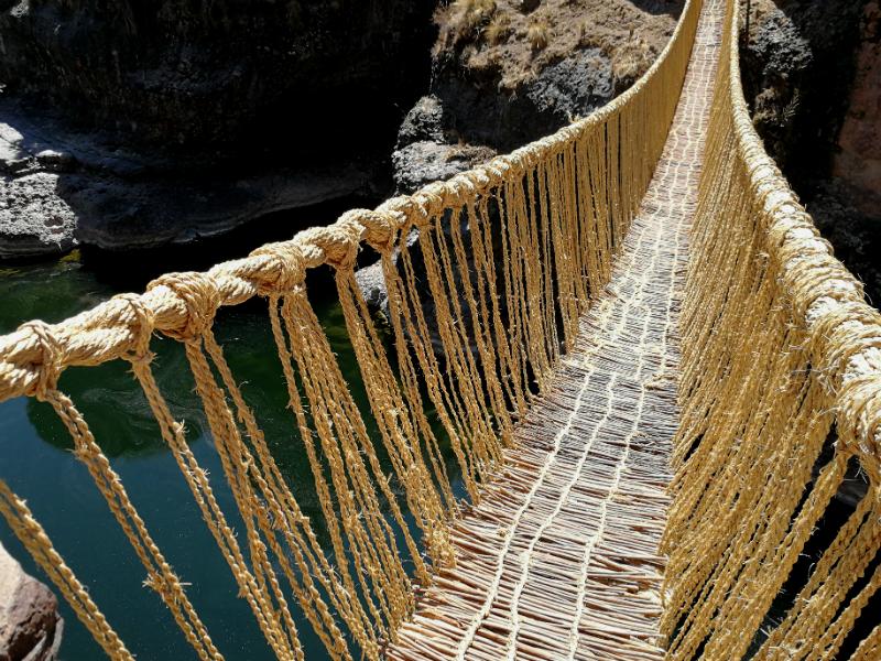 inca bridge of queswachaka by andean path trek